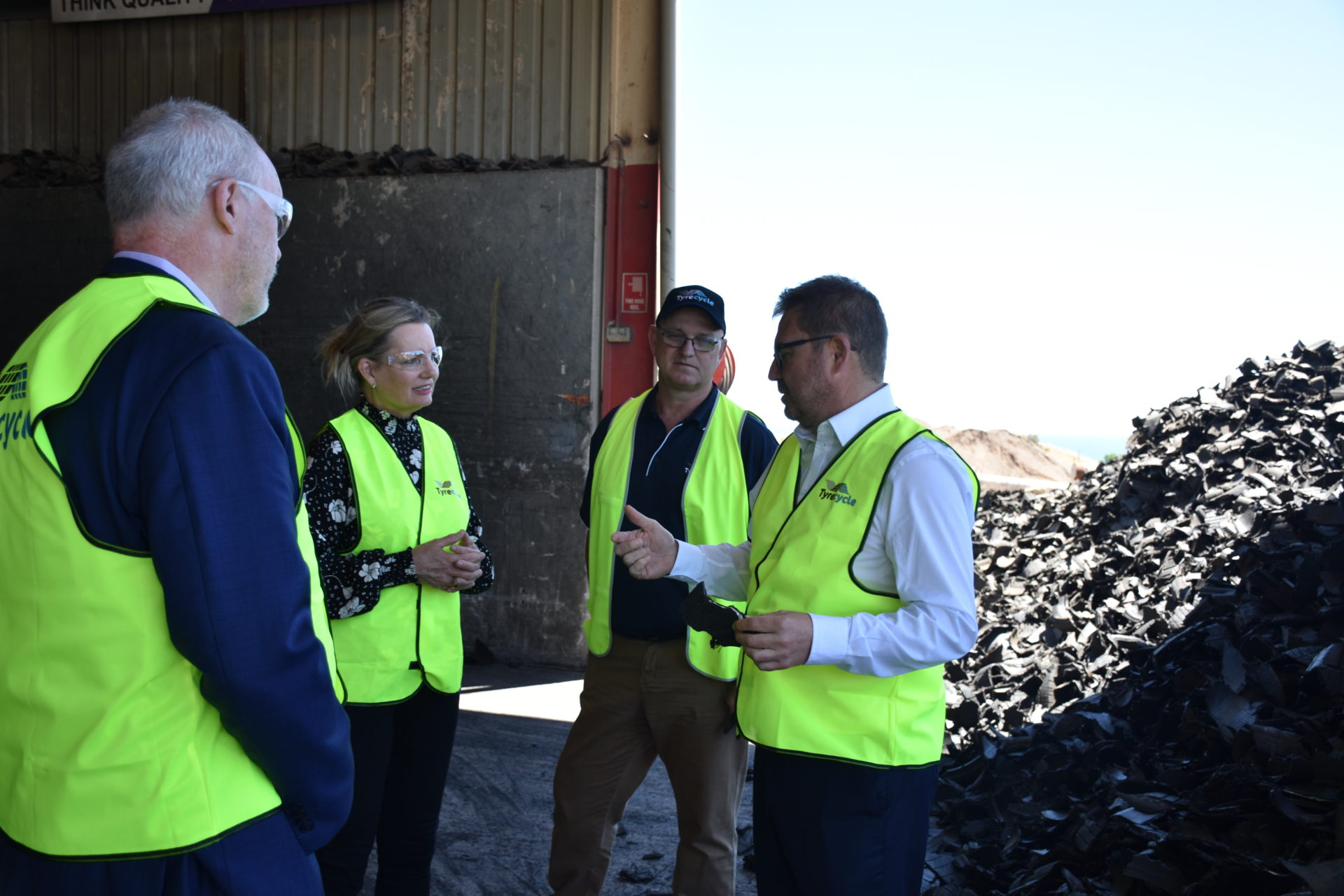 Environment Minister Sussan Ley visits the Tyrecycle Lonsdale site in SA to learn about our processes and recycling capabilities.